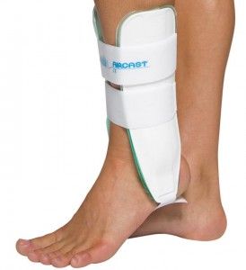 aircast ankle brace for sprain 274x300 What ankle brace do I need for first, second, or third degree ankle sprains?