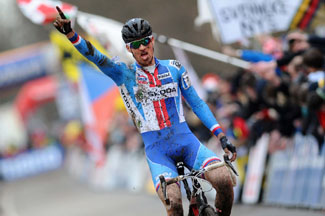 Zdenek Stybar crosses finish line in Holland