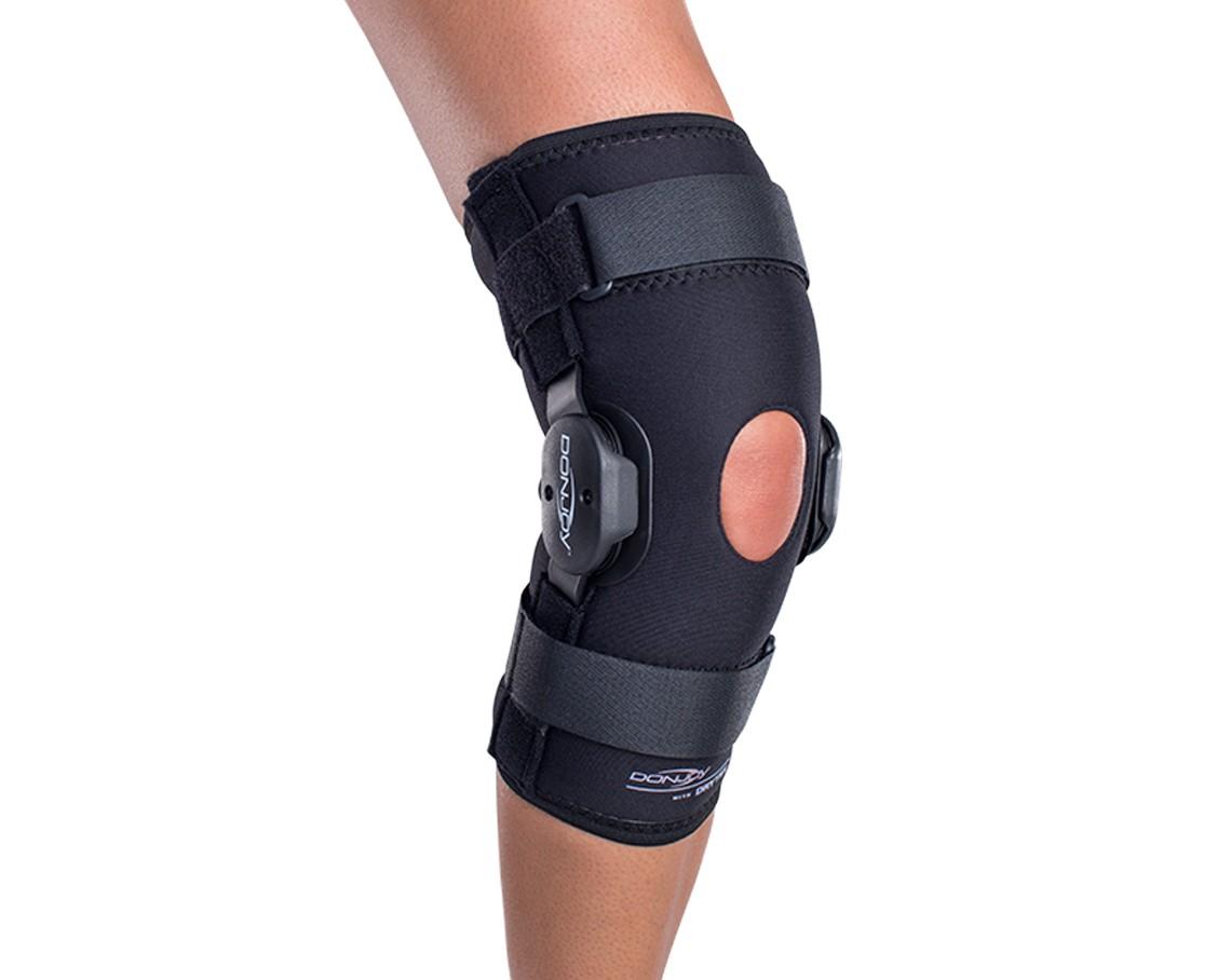 DonJoy Deluxe Hinged Knee Brace Drytex