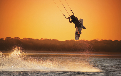 Kiteboarding braces and supports