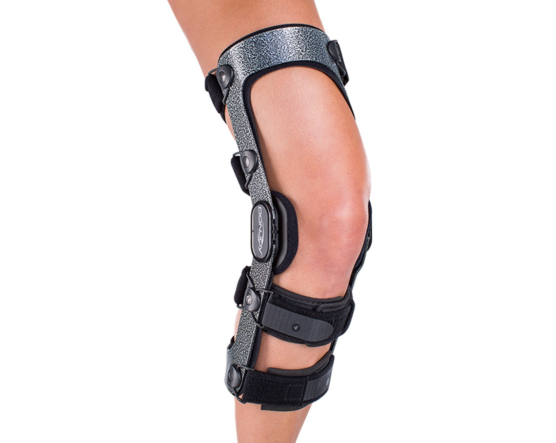 Donjoy Armor Knee Brace With Standard Hinge