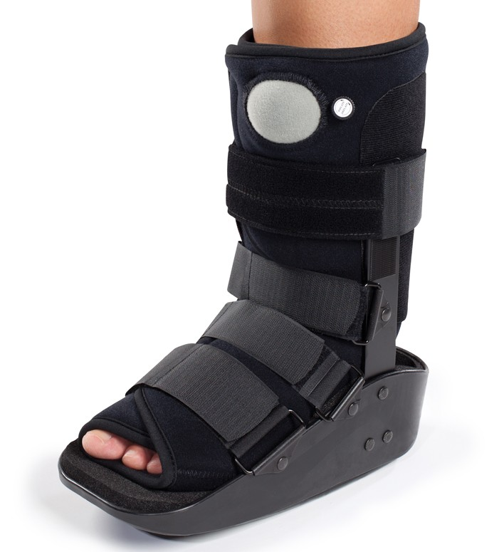pretty nice cc5ad e9475 DonJoy Maxtrax Air Ankle Walker Boot - Walking Brace