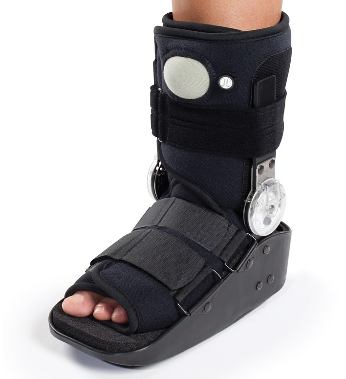 DonJoy Maxtrax ROM Air Ankle Walker Boot - Walking Brace