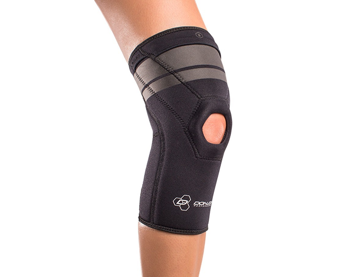 AnaForm 4MM Open Patella Knee Sleeve - On-Skin - Front - Black