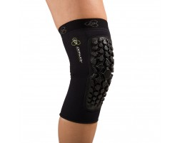 Defender Knee Pads - On-Body - Front - Black