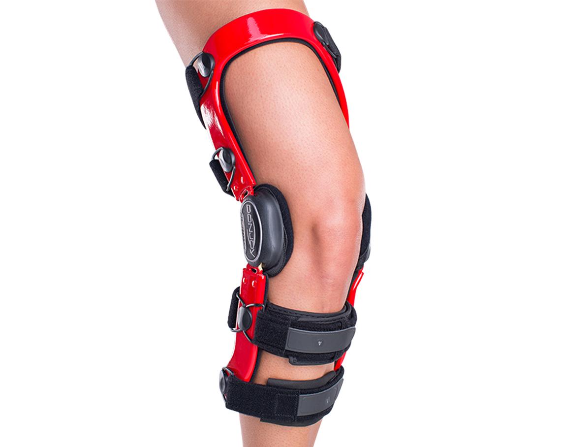 DonJoy Defiance III Knee Brace